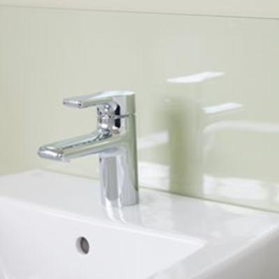 Bathroom Sinks & Accessories